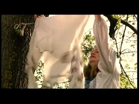 Наталія Май - Мамина сорочка текст песни - AllofLyric.com e4f3444e0d6dd